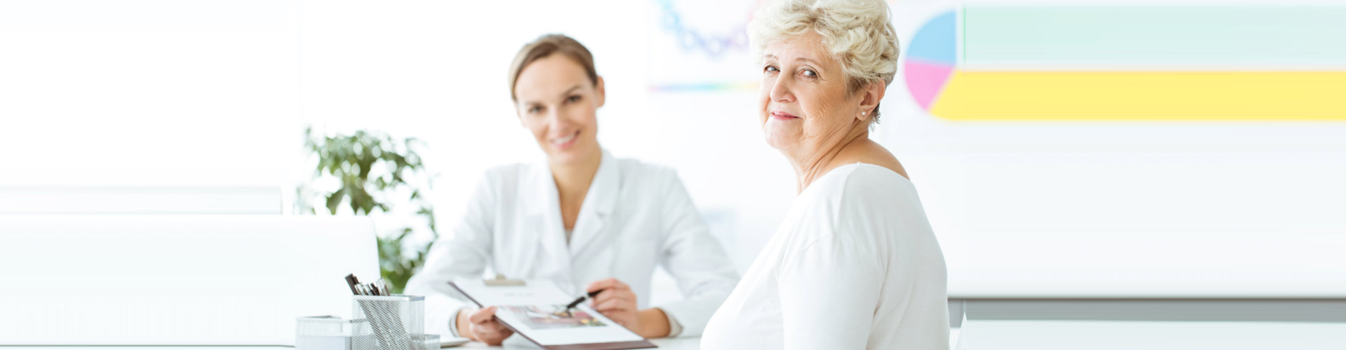 elder woman with nutritionist during a consultation